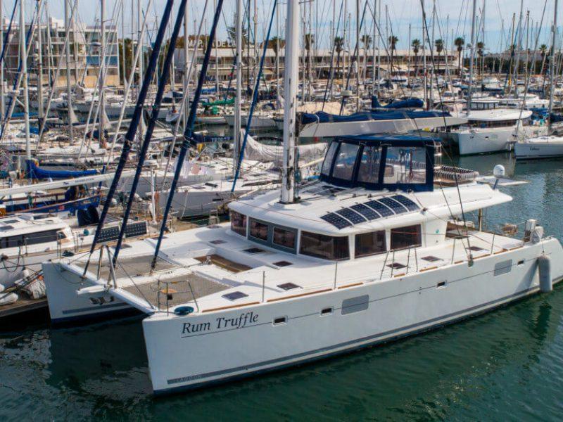 2990 - 1617983140-used-catamaran-for-sale-lagoon-560-multihull-network-uk-01