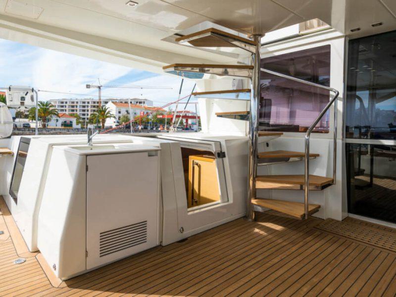 2990 - 1617983583-used-catamaran-for-sale-lagoon-560-multihull-network-uk-09