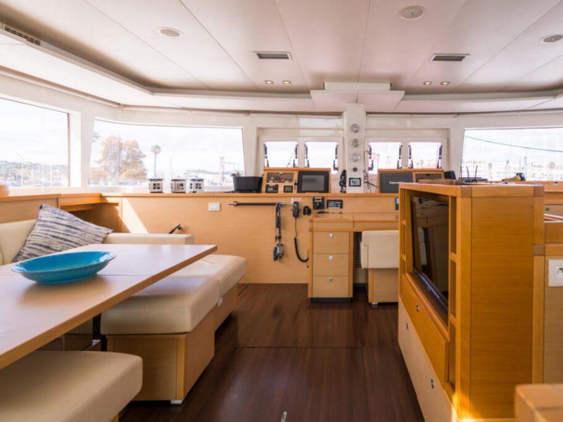 2990 - 1617983583-used-catamaran-for-sale-lagoon-560-multihull-network-uk-14