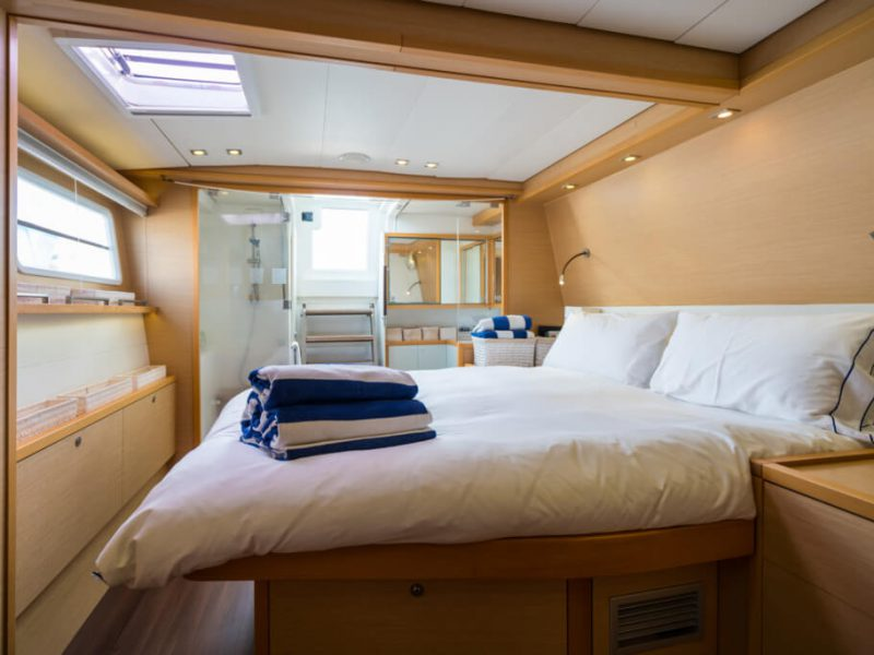 2990 - 1617983583-used-catamaran-for-sale-lagoon-560-multihull-network-uk-18