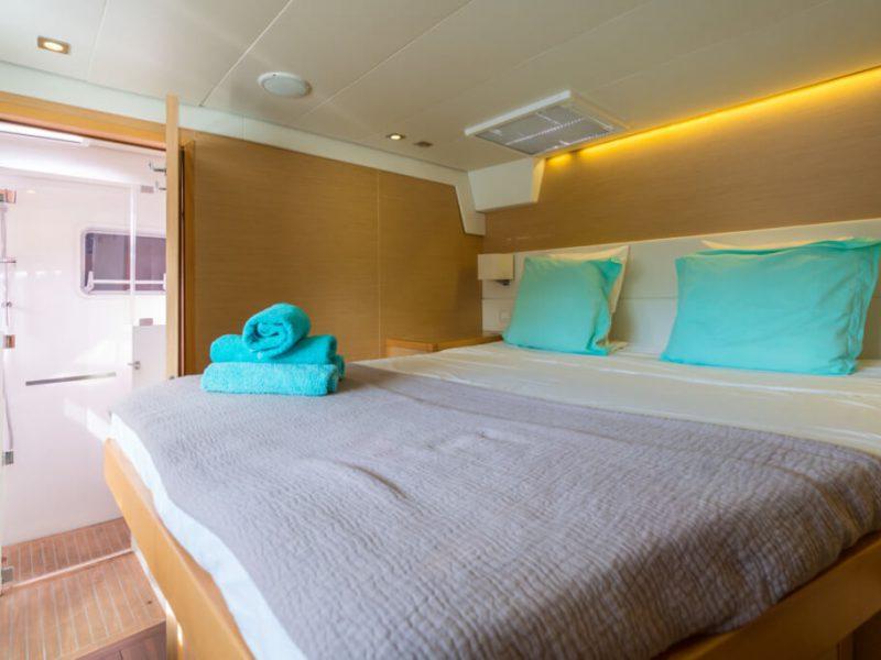 2990 - 1617983583-used-catamaran-for-sale-lagoon-560-multihull-network-uk-21