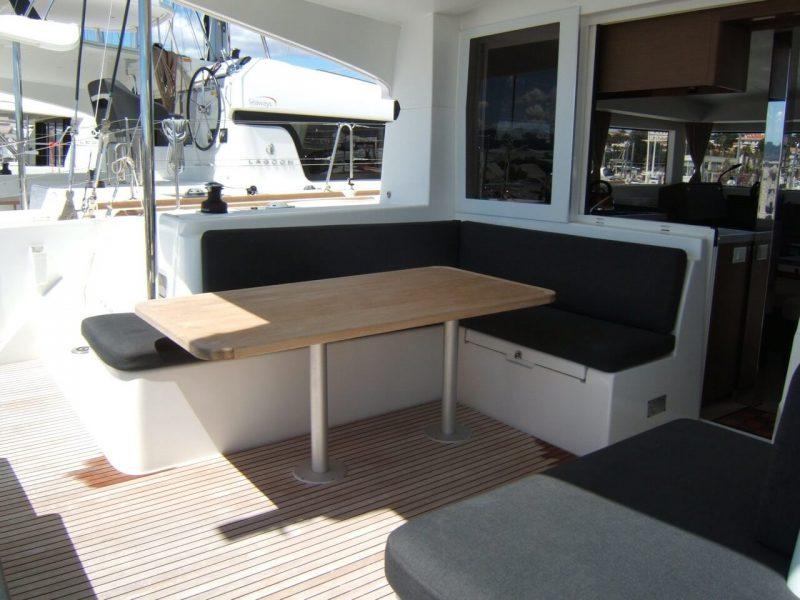 3205 - 1623070696-used-catamaran-for-sale-lagoon-40-multihull-network-fr-06