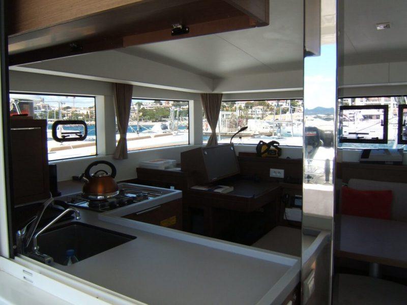 3205 - 1623070696-used-catamaran-for-sale-lagoon-40-multihull-network-fr-09