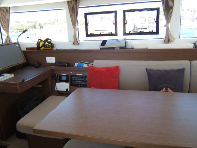 3205 - 1623070696-used-catamaran-for-sale-lagoon-40-multihull-network-fr-13